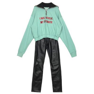 zip-up turtle sweat shirt & coating banding pants